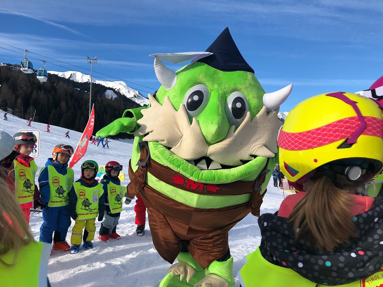 Moosle tanzt in der Skischule